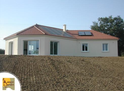 maison avec panneau solaire edans le 63